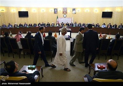 Iranian Vice-Speaker Hosts Muslim Ambassadors