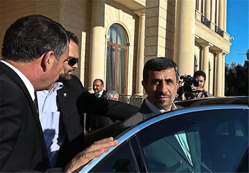 محمود احمدینژاد از ساختمان لادن رفت