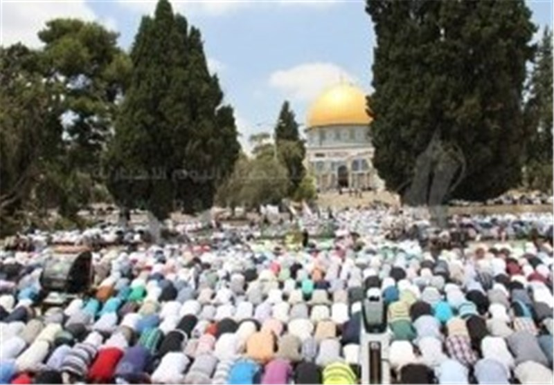 350 هزار فلسطینی دومین نماز جمعه ماه رمضان را در مسجدالاقصی به جا آوردند