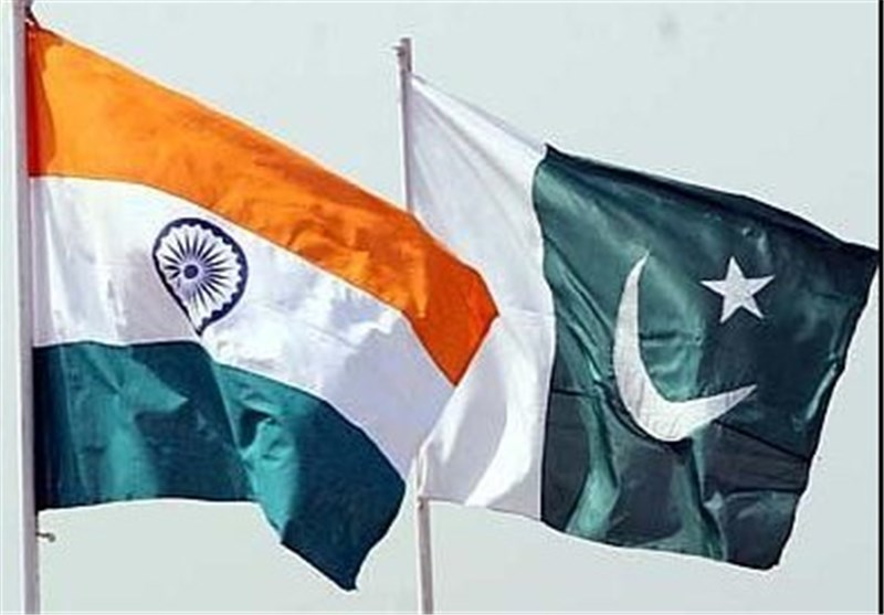Indian, Pakistani Armies Exchange Fire in Kashmir