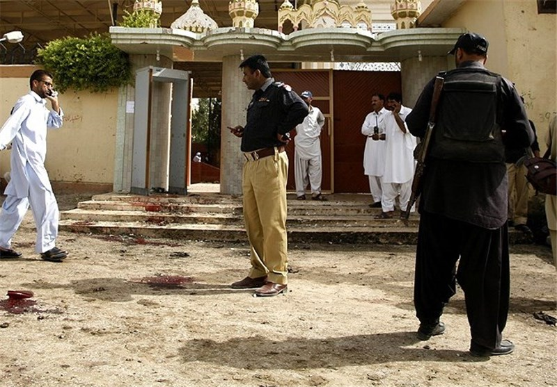 Gunmen Kill Nine Outside Pakistan Mosque