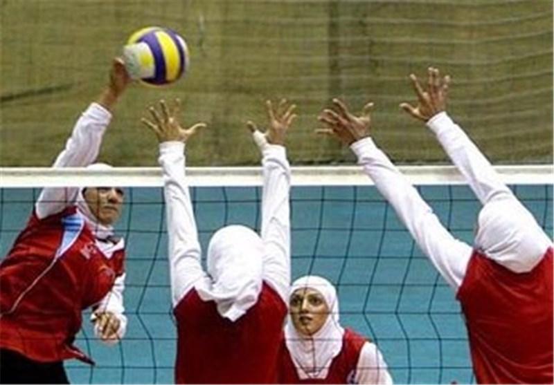 رقابت 5 تیم در مسابقات والیبال بانوان جام دهه فجر مهریز