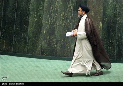 No Dual Citizen in Iran Administration: Intelligence Minister