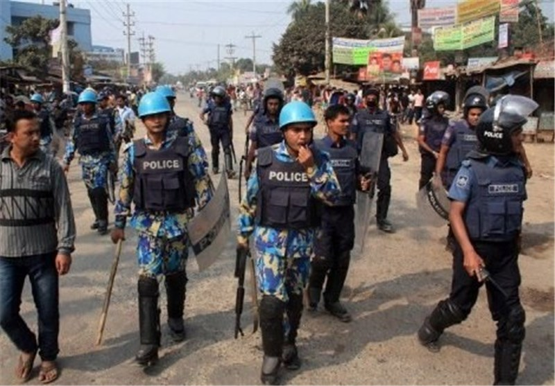 One Dead as Bangladesh Police Clash with Protesters