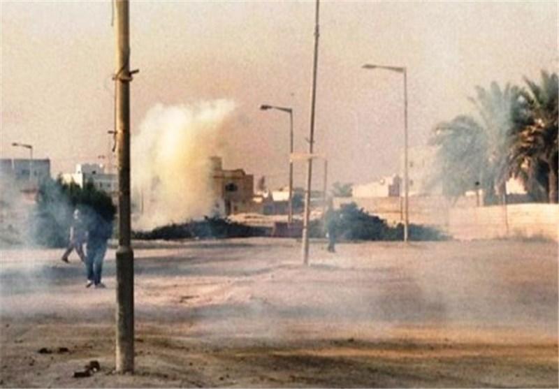 Bahraini Revolutionaries Block Main Manama Street