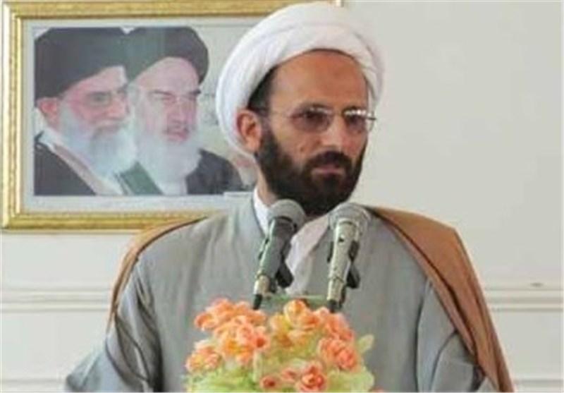 انقلاب اسلامی تنومند و قدرتمند تر از همیشه پابرجاست