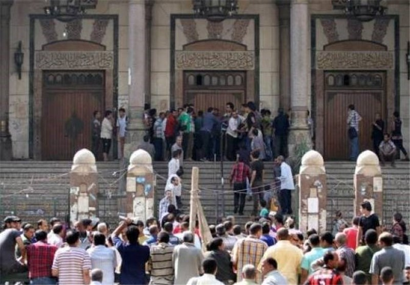 Egypt Considers Brotherhood Ban, Gunfire Exchanged in Mosque