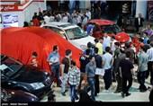 """صف طولانی """"سلفی"""" با خودروهای لوکس و چینی/حوالهفروشی 2008 به نمایشگاه خودرو هم رسید + عکس"""