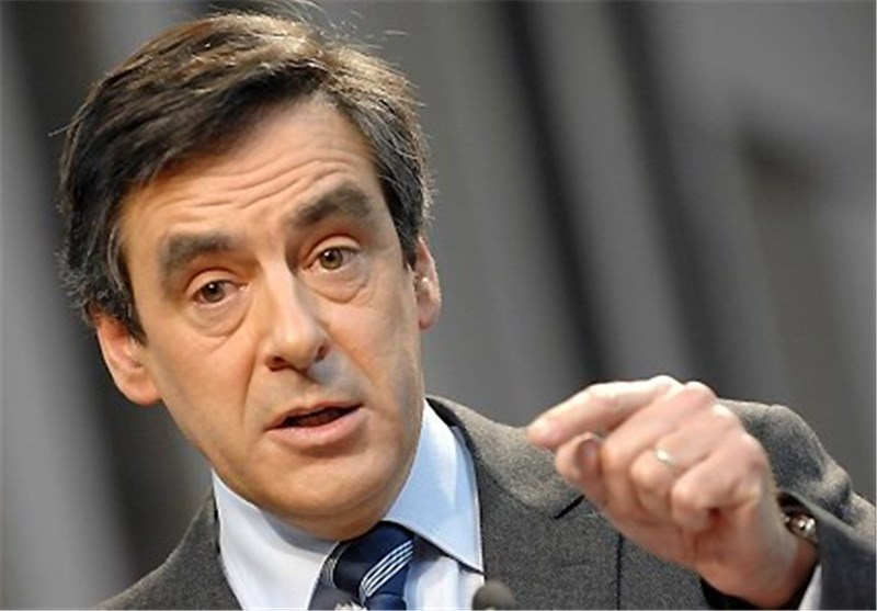 Pressure Grows on France's Fillon to Pull Out of Race as MPs Break Ranks