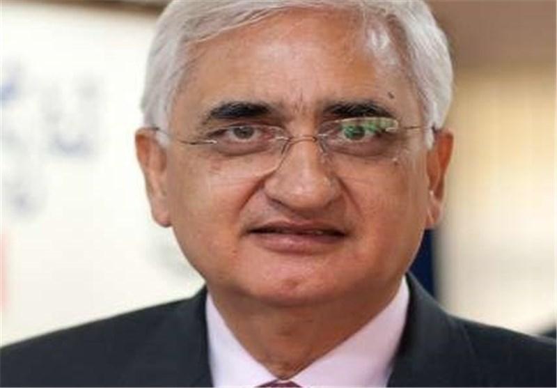 وزیر الخارجیه الهندی: نسعی الی حل مشاکل استیراد النفط من ایران