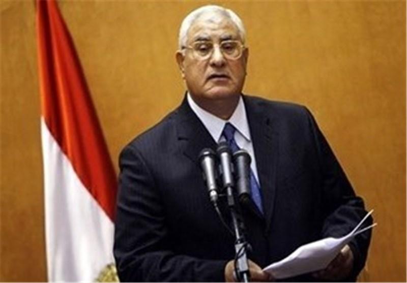 الرئیس المصری : نرفض التدخّل العسکری فی سوریا وصبرنا أوشک على النفاد من الموقف القطری