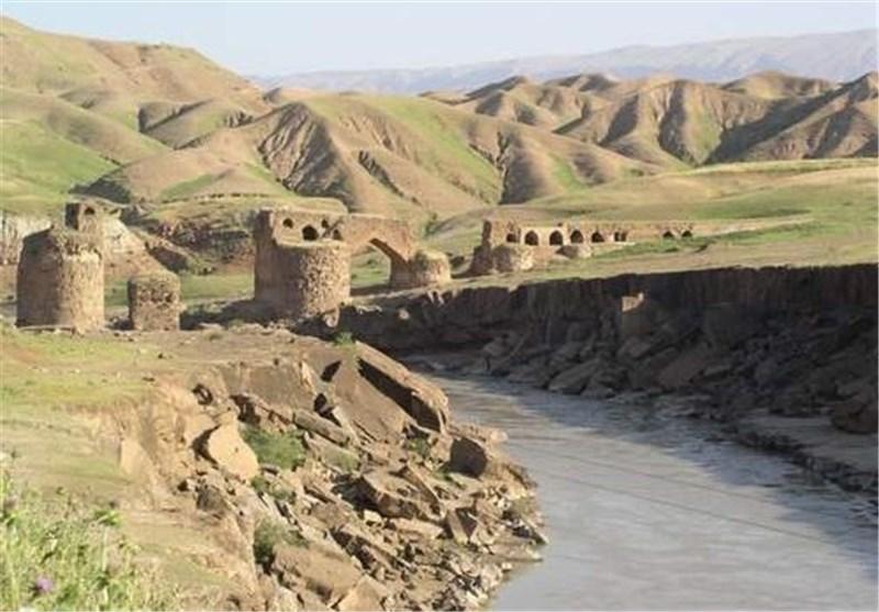 آثار تاریخی آذربایجانغربی نیاز به مرمت فوری دارند