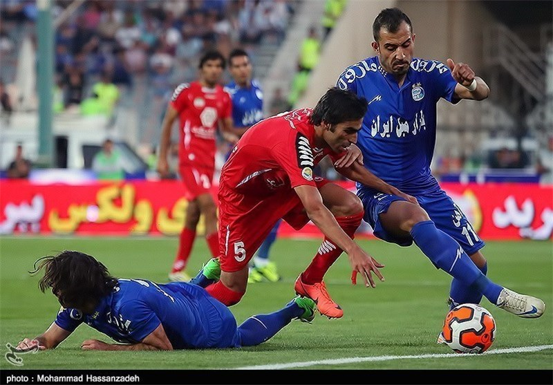 Tehran's Football Giants Derby Ends in Draw
