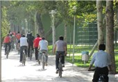 """برگزاری همایش دوچرخه سواری """"هوای پاکیزه"""" در قم"""