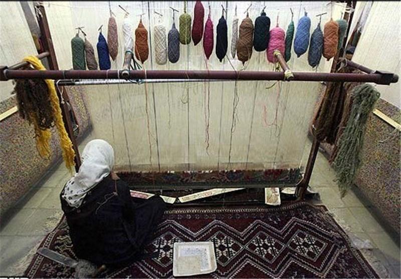 برطرفسازی مشکلات بیمه بافندگان فرش دستباف در اردبیل/180 هزار نفر تحت پوشش بیمه هستند
