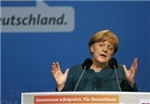 Merkel: NATO Should Show Readiness for Defense but Maintain Dialogue with Russia