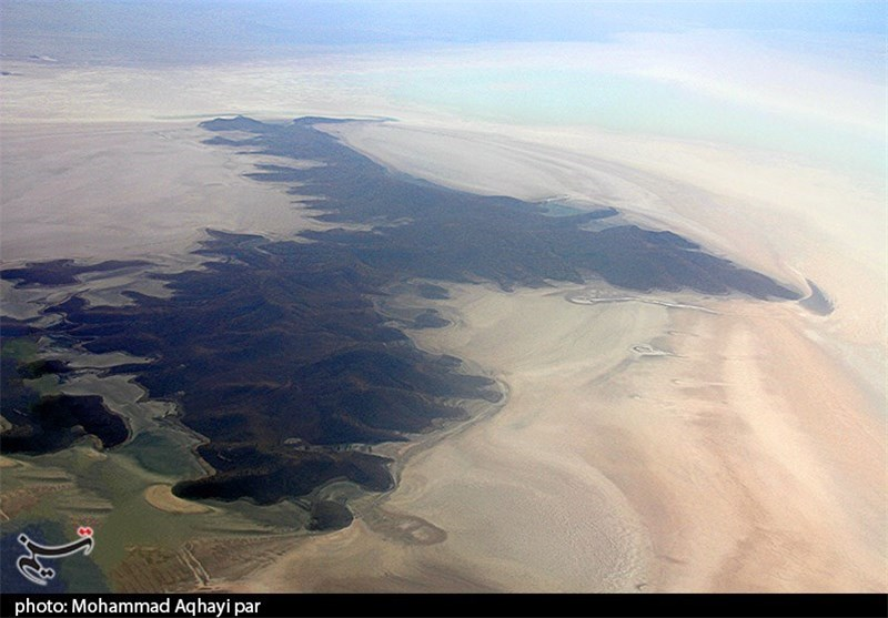 Iran to Implement Water Transfer Projects to Revive Lake Oroumiyeh