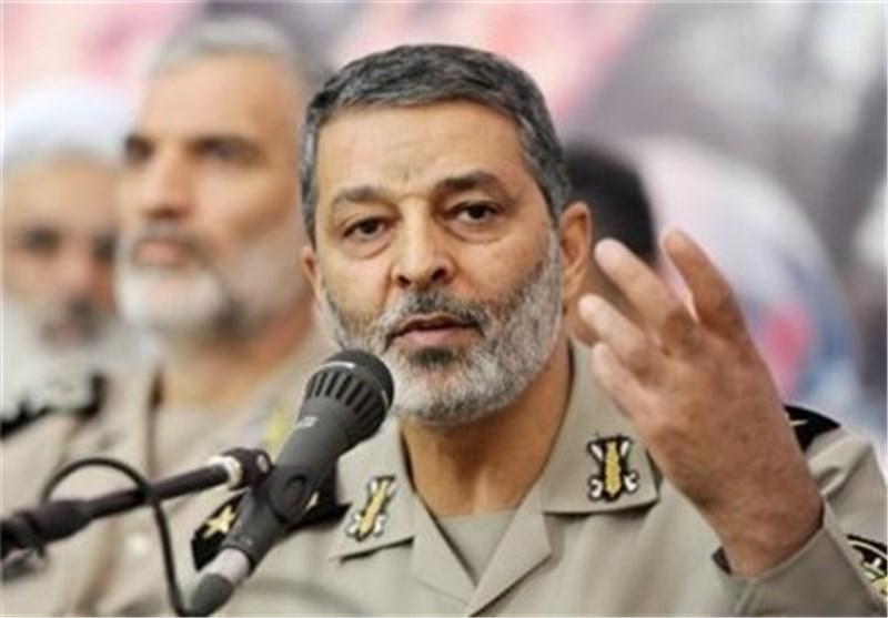 القاء نظرة على سجل خدمات القائد الجدید لقوات الجیش الایرانی