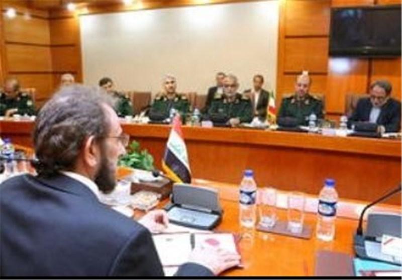 ایران الاسلامیة والعراق یوقعان علی وثیقة للتعاون الدفاعی