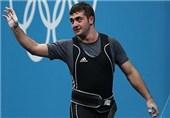 وزنهبرداری قهرمانی جهان| حضور محمدپور در سالن برای دریافت طلای المپیک+عکس