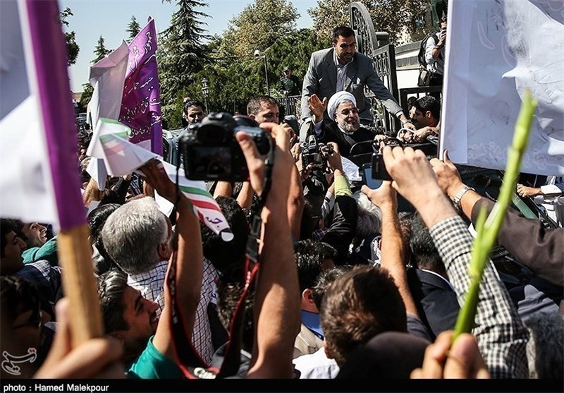 Iranian Police Arrest 2 over Insulting President Rouhani