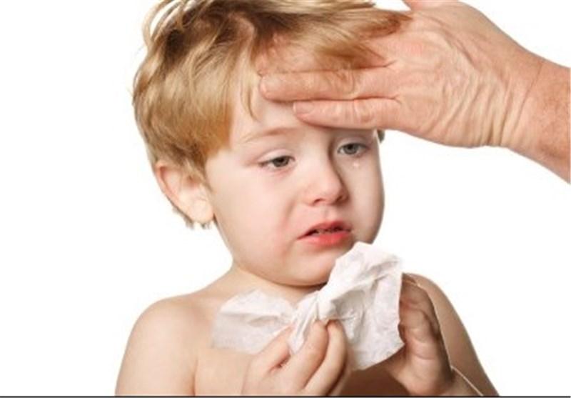 واکسن زدن نوزاد سرماخورده