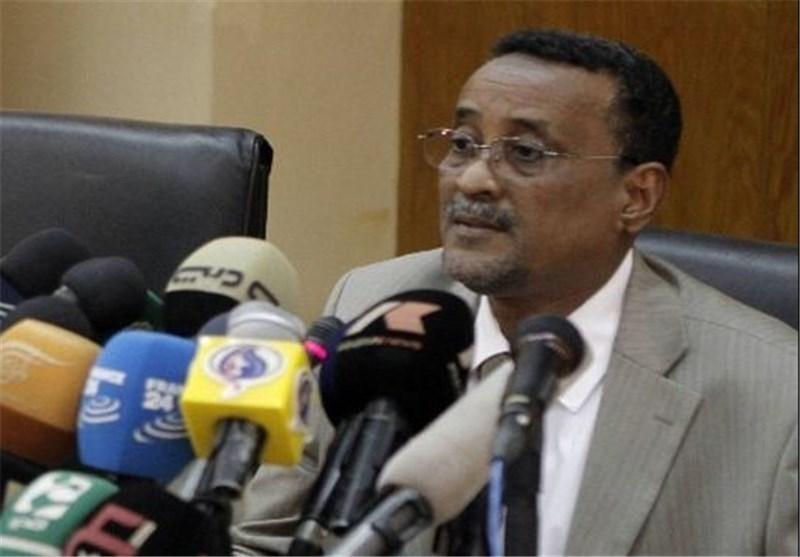 وزیر الداخلیة السودانی ینفی استخدام الذخیرة الحیة ضد المحتجین