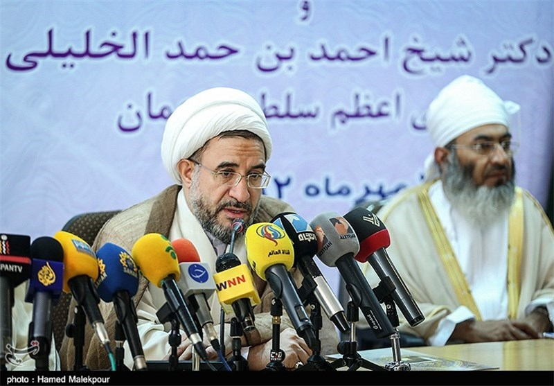 Iranian, Omani Top Clerics Underline Fight against Extremism
