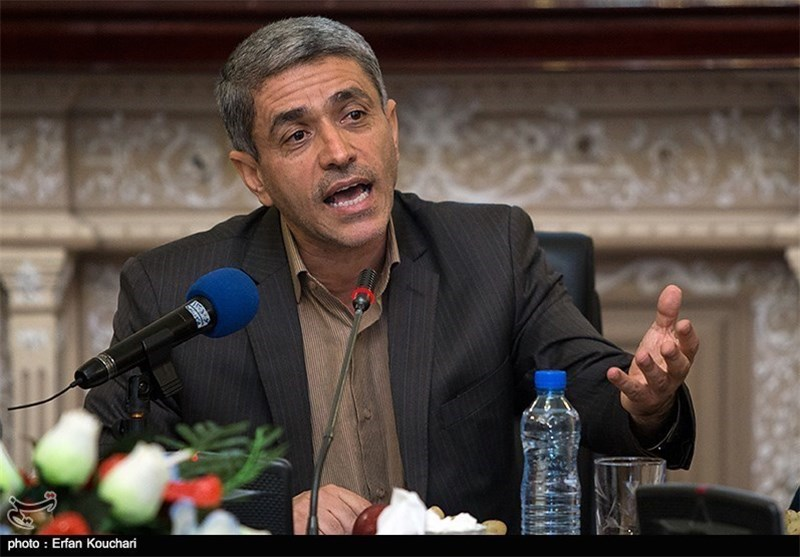 Minister Calls Anti-Iran Sanctions 'Challenge for World Economy'