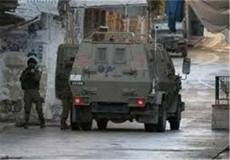 "قوات الاحتلال الصهیونی تستبیح ""البیرة"" بشکل هستیری بحثاً عن قناص"