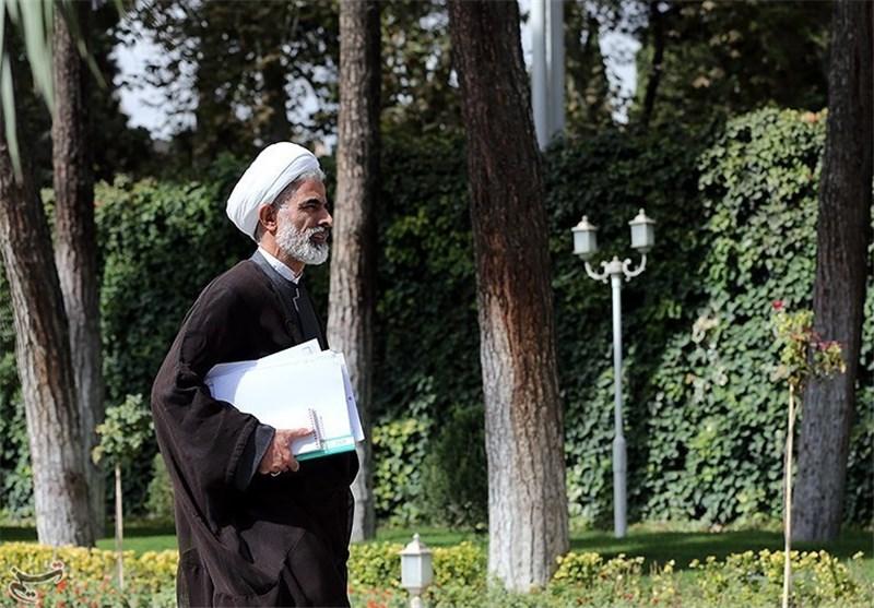 """تهدید تلویحی معاون روحانی به انتشار فیشهای حقوقی """"قوه قضائیه و مجلس"""""""