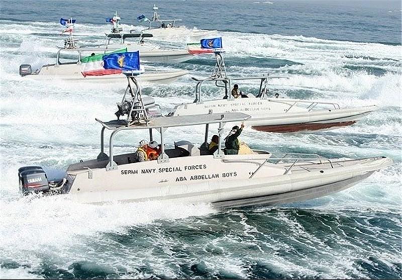 قائد سلاح البحر لقوات الحرس الثوری یعلن تزوید الزوارق السریعة بجهاز محاکاة متطورة