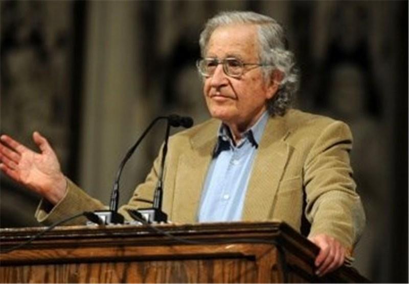 المفکر الامریکی البارز: أمریکا تعتبر أکبر تهدید للسلام العالمی ولیس ایران