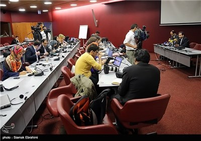 Top Negotiator Calls Atmosphere of First Session of Geneva Talks Positive