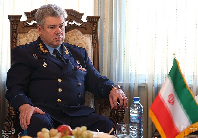 Iranian, Russian Air Force Commanders Meet in Tehran