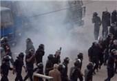 دانشجویان الازهر یک خودروی پلیس را به آتش کشیدند