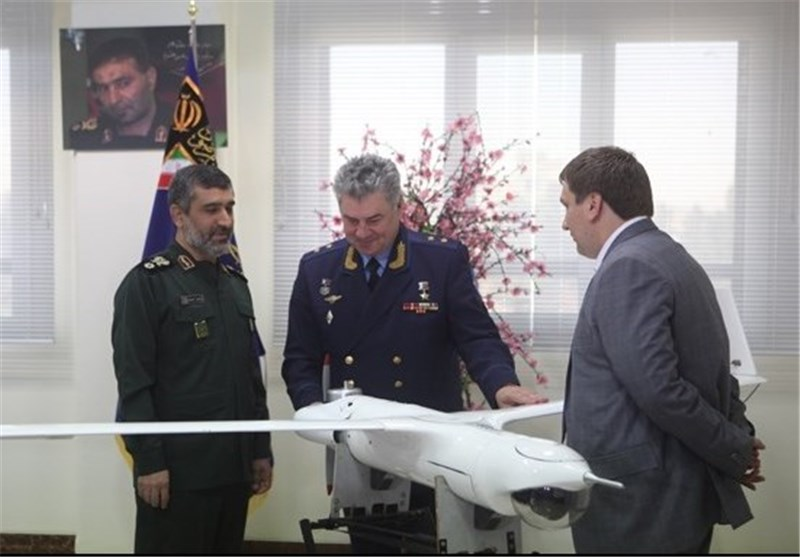 Russian Air Force Commander Visits Military Airbase in Isfhan