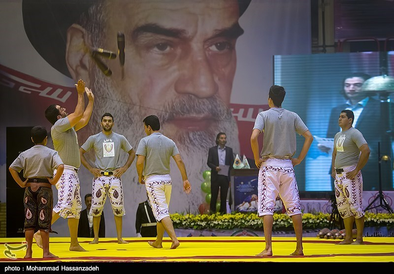 افتتاحیه رقابتهای جام جهانی کشتی 2017 کرمانشاه برگزار شد