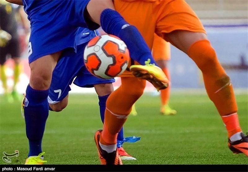 فوتبال و توپ