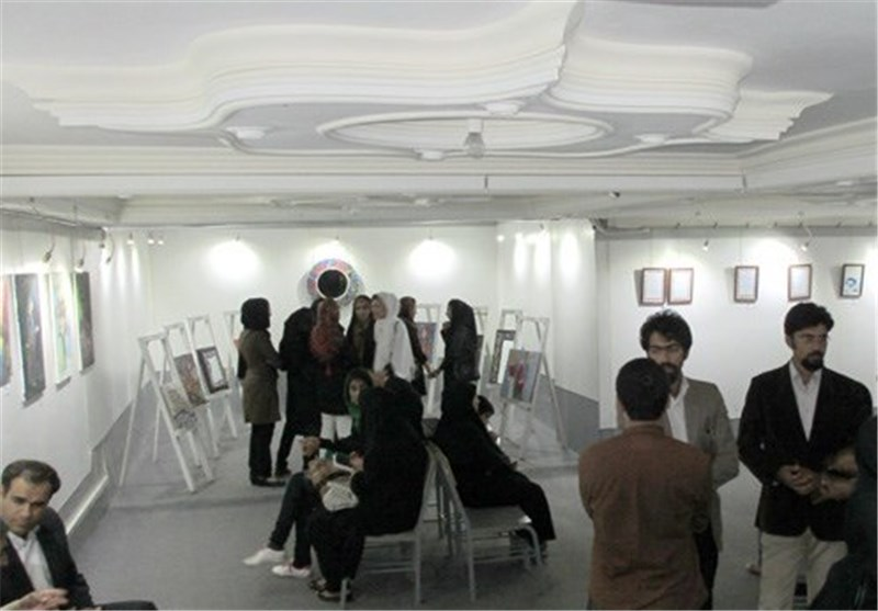 آثار هنرمندان جوان حوزه هنری زاهدان به نمایش درآمد