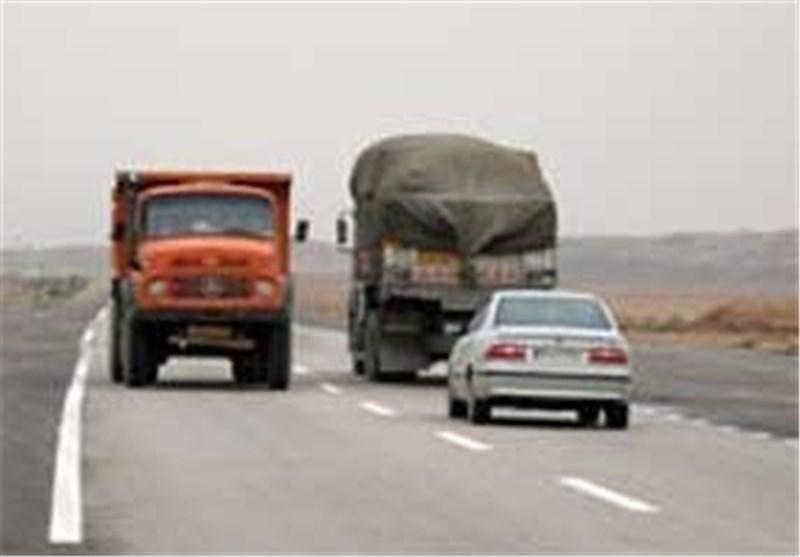 تردد در محورهای فارس به کندی انجام میشود