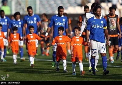 دیدار تیمهای استقلال و مس کرمان