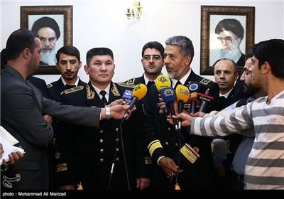 Iranian, Kazakh Navy Commanders Meet in Tehran