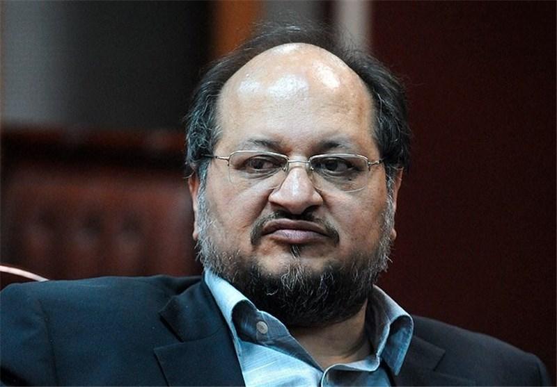 سخنرانی پُر از گله و شکایت شریعتمداری در جشن تولد صادرات/وزیر صنعت همه را به باد انتقاد گرفت