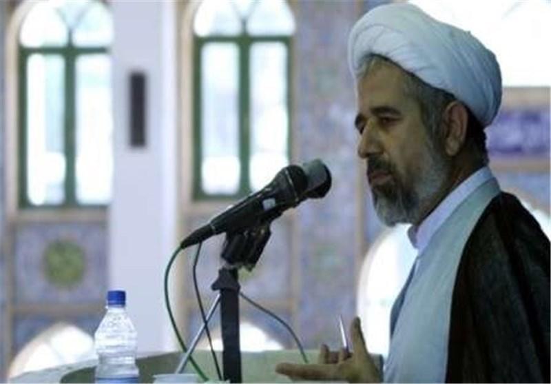 خطیب جمعه کرمان: مردم و مسئولان تلاش کنند تا راه سردار سلیمانی ادامه پیدا کند