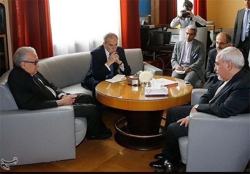 Zarif, Brahimi Consult on Syria in Geneva