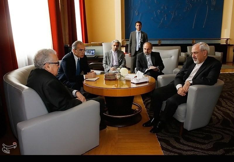 Zarif Meets Brahimi in Geneva
