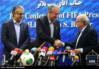 سپ بلاتر رئیس فیفا و علی کفاشیان رئیس فدراسیون فوتبال ایران