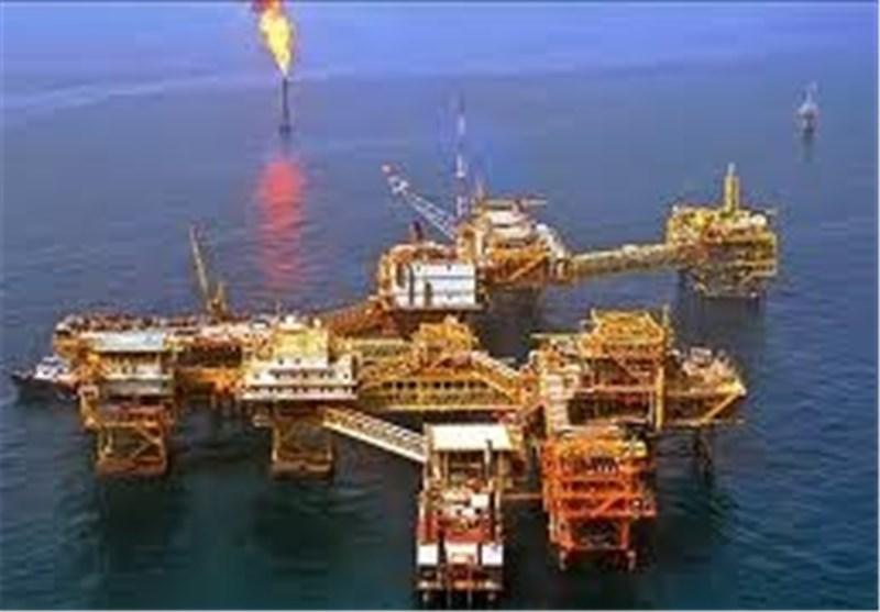 إرتفاع إنتاج النفط الإیرانی وبلوغ مستوى 3,92 ملیون برمیل یومیا