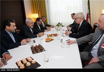 Iranian, Russian Negotiators Confer on Geneva Talks